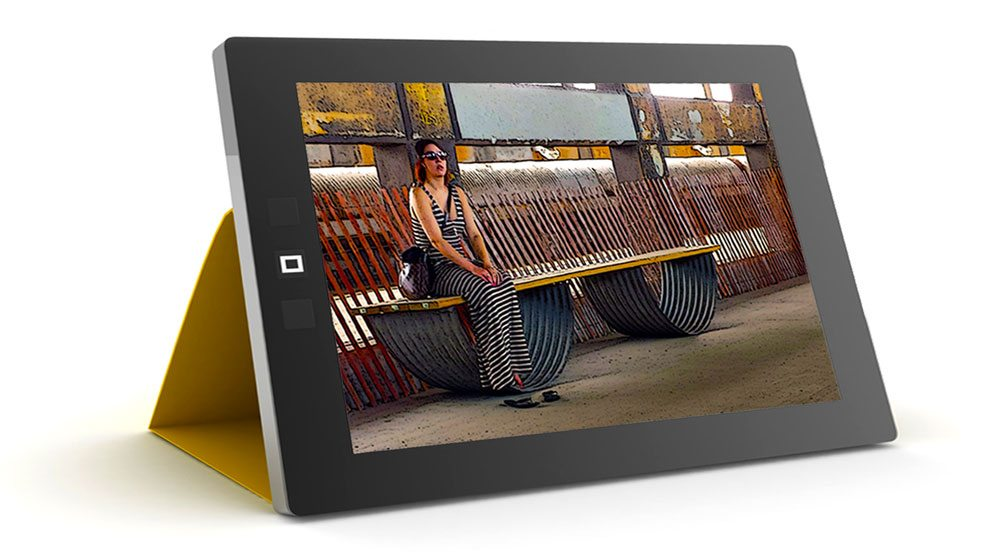 Tablet in Case with The Lady is the Tiger promoting martinDESIGN web creation